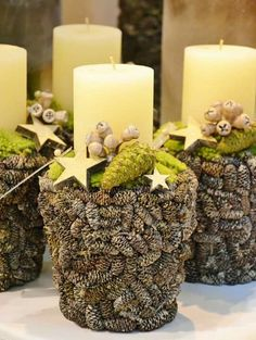Wow, looks amazing with small cones like white spruce or sitka spruce. Christmas Tree Beads, Christmas Candle, Rustic Christmas, Winter Christmas, Christmas Home, Christmas Wreaths, Christmas Arrangements, Christmas Centerpieces, Christmas Decorations