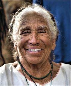 """""""Cada edad te trae posibilidades"""" y así vive los años, siempre en comunión con la madre Tierra y lo sagrado que hay en cada persona."""