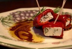 Feta sajt paprikába tekerve Caprese Salad, Feta, Recipes, Red Peppers, Recipies, Ripped Recipes, Cooking Recipes, Insalata Caprese