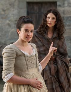 """Introducing Jenny --  JennyFraser (Laura Donnelly) and Claire (Caitriona Balfe) in """"Lallybroch"""""""
