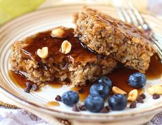 Healthy Peanut Butter Baked Oatmeal recipe (refined sugar free, high protein, high fiber, gluten free, dairy free, vegan) - Healthy Dessert Recipes at Desserts with Benefits