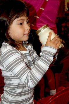 How to make butter out of heavy cream! Using only a jar and cream. Fun science project :) Great for pioneer's day