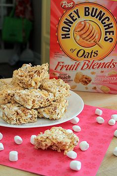Raspberry Peach Marshmallow Squares with honey bunches of oats fruit blend Cookie Desserts, Fun Desserts, Delicious Desserts, Yummy Food, Cereal Treats, Rice Krispie Treats, Cereal Bars, Rice Krispies, Best Dessert Recipes
