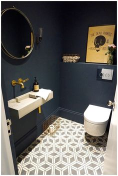 azulejos y paredes baños - Badezimmer Fliesen - Bathroom Decor Small Toilet Room, Guest Toilet, Small Toilet Decor, Small Downstairs Toilet, Toilet Wall, Toilet With Sink, Guest Bath, Guest Room, White Bathroom Paint