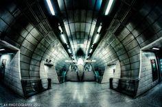 London Underground, Southwark Underground Station.