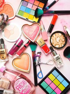 Rainbow make up flatlay! Too Faced NYX Bourjois Barry M Moschino YSL Spectrum brushes. Makeup Backgrounds, Makeup Wallpapers, Makeup Videos, Makeup Tips, Makeup Products, Spectrum Brushes, Moschino, Lipbalm, Self Tanning Spray