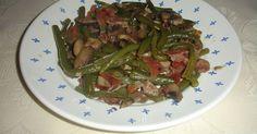 Fabulosa receta para Judías verdes y champiñones con jamón serrano . Una receta con color, sabor, ligera y sana. Espero os guste.