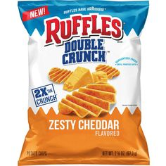 Ruffles Has Released Double Crunch Chips in Zesty Cheddar and Hot Wings Flavors Bolo Hello Kitty, Ruffles Potato Chips, Cheetos Crunchy, Cheddar Potatoes, Cheese Snacks, Sweet Chili, New Flavour, Snack Recipes, Wings