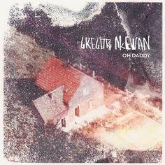 """Pünktlich zum heutigen Release der neuen Gregor McEwan Single """"Oh Daddy"""" gibt's jetzt auch ein #Video zum Song, in dem ihr passend zum Titel jede Menge Homevideos von Gregor und seinem Daddy seht."""