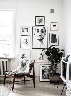 I like the many beautiful details in this bright and white home. The old kitchen in white is decorated with many wood and brass details and both the living room and bedroom have nice art walls. I like the big  Continue reading Decoration Inspiration, Interior Design Inspiration, Home Interior Design, Decor Ideas, Design Ideas, Decorating Ideas, Design Projects, Decoration Pictures, Design Styles