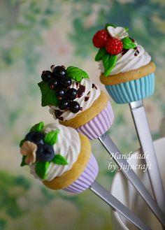 Вкусные ложки. Капкейки с ягодами