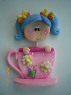 Fimo Girly in a cup Polymer Clay People, Polymer Clay Ornaments, Sculpey Clay, Polymer Clay Dolls, Polymer Clay Projects, Polymer Clay Creations, Polymer Clay Jewelry, Clay Beads, Clay Earrings