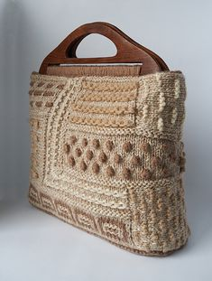 "New Cheap Bags. The location where building and construction meets style, beaded crochet is the act of using beads to decorate crocheted products. ""Crochet"" is derived fro Crochet Handbags, Crochet Purses, Crochet Bags, Bag Pattern Free, Diy Handbag, Craft Bags, Fabric Bags, Cheap Bags, Knitting Accessories"