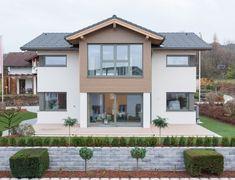 Classic 157 S - Hartl Haus - http://www.hausbaudirekt.de/haus/classic-157-s/ - Fertighaus als Alpenstil Einfamilienhaus Holzhaus Modernes Haus mit Satteldach