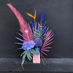 Aug 2019 - Ok I see you Pomona lookin fly AF in your pastel puma palm fantasy fascinator situation you are serving up just like i like a… Dried Flower Arrangements, Silk Floral Arrangements, Dried Flowers, Paper Flowers, Arte Floral, Flowers Wallpaper, Wallpaper Art, Pallette, Dragonfly Decor