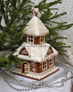 Trendy Ideas For Cookies Christmas House Ginger Bread Gingerbread House Designs, Gingerbread Village, Gingerbread Decorations, Christmas Gingerbread House, Christmas Sweets, Christmas Baking, Gingerbread Cookies, Christmas Crafts, Christmas Decorations