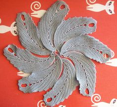 Irish lace step-by-step photo tutorial: Feather motif