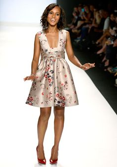 """""""Dress for yourself, 'cause then no matter what anybody says, you'll be happy!,"""" says Kerry Washington, who attended Project Runway's finale fashion show."""