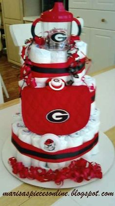 GA Bulldog Diaper Cake - I have to remember this for when my daughter has a baby shower!