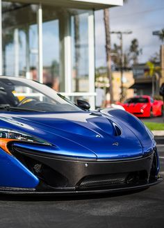 McLaren P1 (On the back Ferrari Enzo Mansori!)