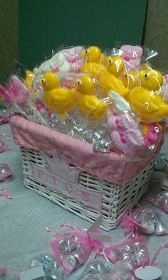 Baby shower chocolate lollipop basket