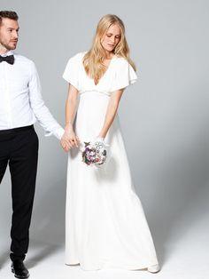 burda style - Schnittmuster Hochzeitskleid - Bodenlanges Kleid aus fließendem Seidenkrepp mit tiefem V-Ausschnitt und weiten Ärmeln. Nr 132 aus 03-2013 style pattern – Bridal Dress