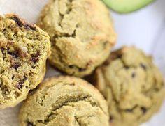 Voici une recette de muffin qui contient très peu de sucre et aucun beurre ou huile (en plus, c'est sans lactose)! Clean Breakfast, Breakfast Snacks, Good Healthy Recipes, Keto Recipes, Raw Cake, Healthy Muffins, Coco, Biscuits, Good Food