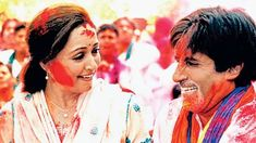'Holi khele Raghuveera' from 'Baghban' Sung by Amitabh Bachchan, Alka Yagnik, Udit Narayan and Sukhwinder Singh. the song features Amitabh Bachchan and Hema Malini who returned to screen 20 years after 'Nastik'. Kitty Party Games, Kitty Games, Bollywood Theme, Bollywood Songs, Bollywood News, Hindi Movie Video, Happy Holi Picture, Happy Holi Wallpaper, Holi Pictures