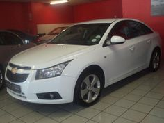 Chevrolet Cruze Sedan with Petrol Engine and contact dealer service history. Used Chevrolet Cruze for sale. Electric Mirror, Sun Roof, Chevrolet Cruze, Manual Transmission, Audio System, Motors, Engine, Finance, Windows