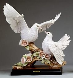 """Florence Sculpture """"Two doves with flowers"""" 0998/S H cm 37 = 14½"""""""