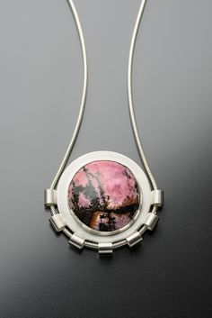Jewelry | Jewellery | ジュエリー | Bijoux | Gioielli | Joyas | Art | Arte | Création Artistique | Artisan | Precious Metals | Jewels | Settings | Textures | By Pamela M Levin