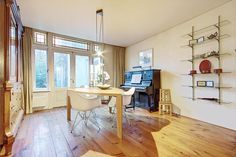 Glazen planken  Huis te koop: Kloppersingel 3 2021 CR Haarlem - Foto's [funda]