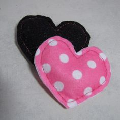 Make heart shaped hand warmers - Follow @Guidecentral for #crafts and #DIY projects