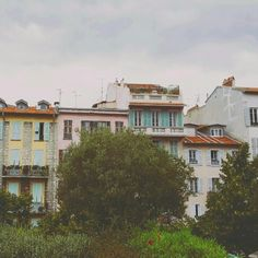 Colours, houses, architecture in France