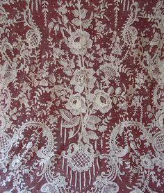Maria Niforos - Fine Antique Lace, Linens & Textiles : Antique Lace # LA-27 Brussels Point De Gaze Shawl