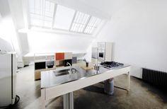 Cargo by Kaisa Luukkanen. Cargo is a minimalist design created by Finland-based designer Kaisa Luukkanen. Kitchen Styling, Kitchen Decor, Kitchen Design, Kitchen Furniture, Kitchen Ideas, Scandinavian Kitchen, Scandinavian Design, Exterior Design, Interior And Exterior