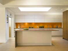 Urbo bespoke kitchen in contemporary style by Roundhouse