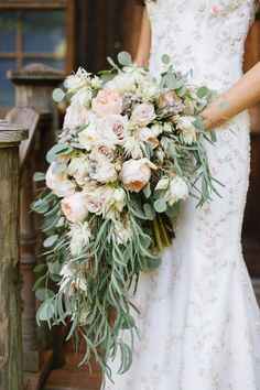 Save these cascading bouquets for your wedding day.