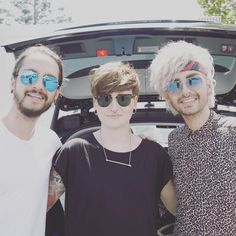 June 28, 2016 – Bill & Tom Kaulitz With A Fan [Los Angeles, CA]