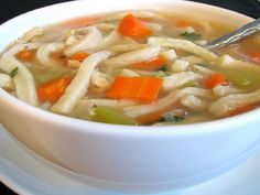 Crockpot Chicken Noodle Soup-This is a WW 2 Plus+ per serving recipe. weight-watchers-points-plus-recipes Plats Weight Watchers, Weight Watchers Meals, Weigh Watchers, Crockpot Recipes, Soup Recipes, Healthy Recipes, Ww Recipes, Recipies, Sunday Recipes