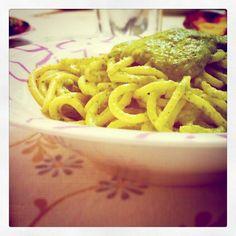 La ricetta del pesto di zucchine per condire la pasta e non solo