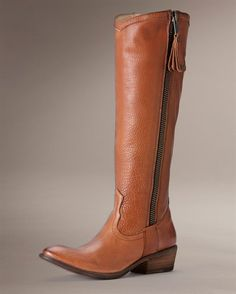 Love, love, love these boots.  Just a wee bit out of my budget though!  A girl can dream~