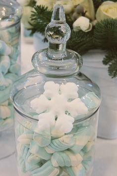 #Snowflakes dessert table details
