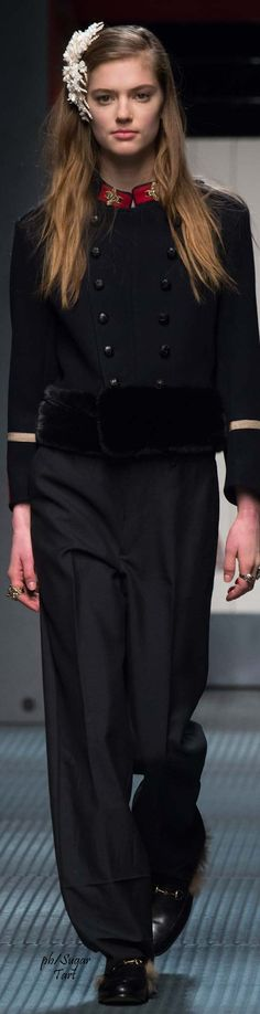 Gucci.           Fall 2015.           Ready-To-Wear.