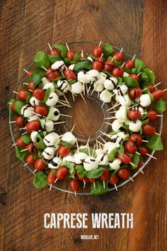Holiday Party Appetizers, Appetizers For Kids, Christmas Party Food, Snacks Für Party, Finger Food Appetizers, Appetizer Recipes, Finger Foods, Holiday Parties, Caprese Appetizer