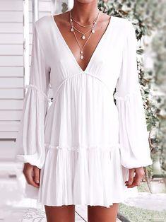 Shop for the White Cotton V-Ausschnitt Open Back Flare Ärmel Chic Frauen Minikleid online now. Women's Fashion Dresses, Women's Dresses, Casual Dresses, Sleeve Dresses, Mini Dresses, Cheap Dresses, Wedding Dresses, Fashion Clothes, Short Beach Dresses