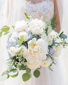 Hydrangea wedding bouquet tips! Nice eventsClassic white hydrangea bouquet with ranunculus and roses - you can find more wedding bouquets at B. Hydrangea Bouquet Wedding, Bridal Flowers, Wedding Bouquets, Wedding Veils, Wedding Hair, Bridal Hair, Wedding Ceremony, Reception, Wedding Flower Guide