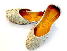 Online Shopping India - Shop Online for Punjabi Jutti, Footwear at Peshkadmi.com