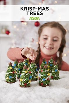 These mini trees don't just look good enough to eat - they are! Rice Krispie Christmas Trees, Christmas Tree Food, Christmas Treats, Christmas Baking, Canapes Recipes, Gift Card Number, Green Food Coloring, Party Buffet, Edible Gifts
