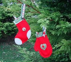 Stocking and Mitts #Ornaments #applique #tutorial by Karen from Listen to the Birds Sing